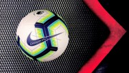 Banh bóng đá sân cỏ Nike Premier League 2018 lá