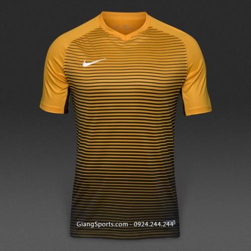 Áo thi đấu không logo Nike